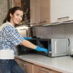 ¡4 trucos sencillos para limpiar microondas que funcionan!