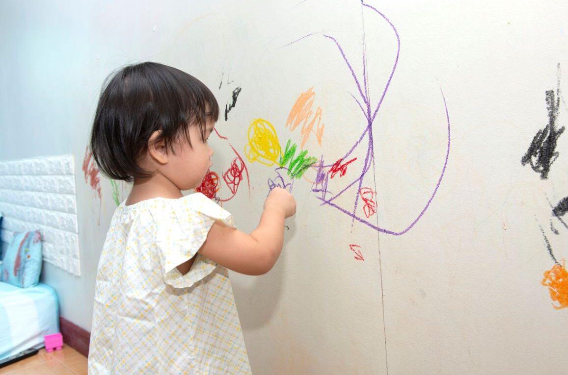 Dessins Enfant Sur Le Papier Peint