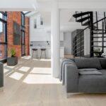 ¿Cómo decorar un pilar en una sala de estar?
