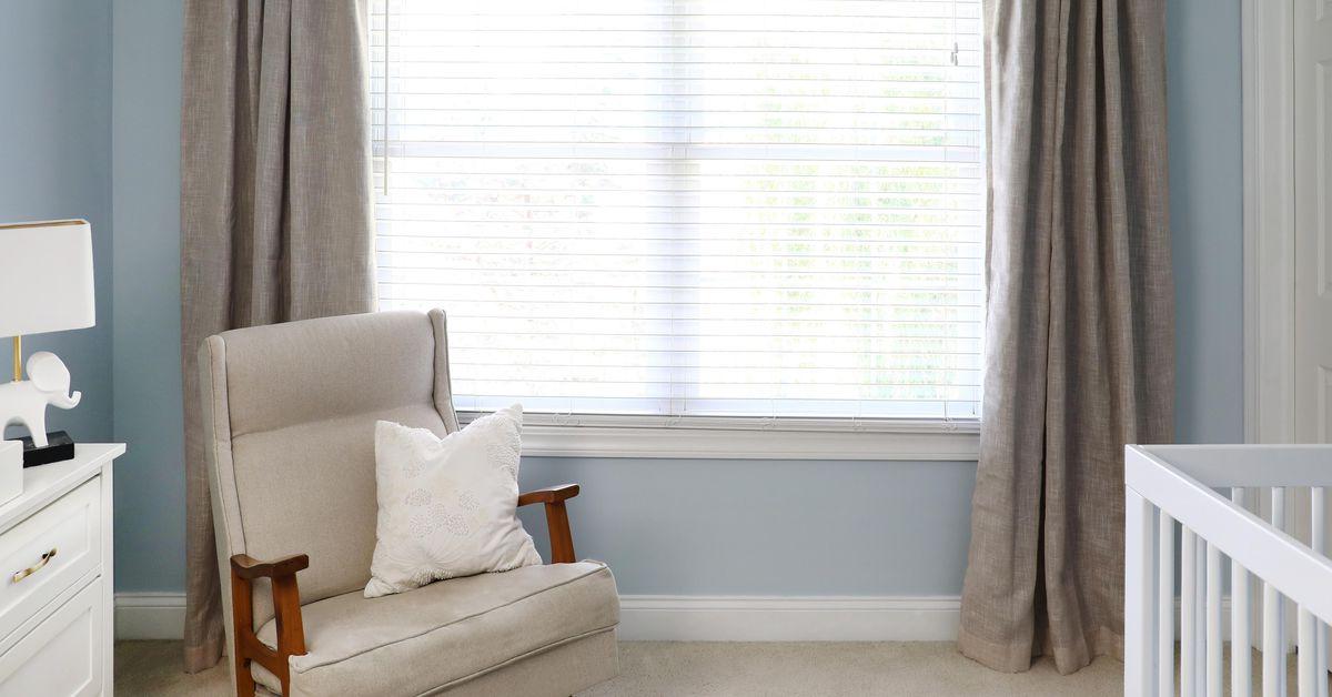 Cómo colgar una barra de cortina
