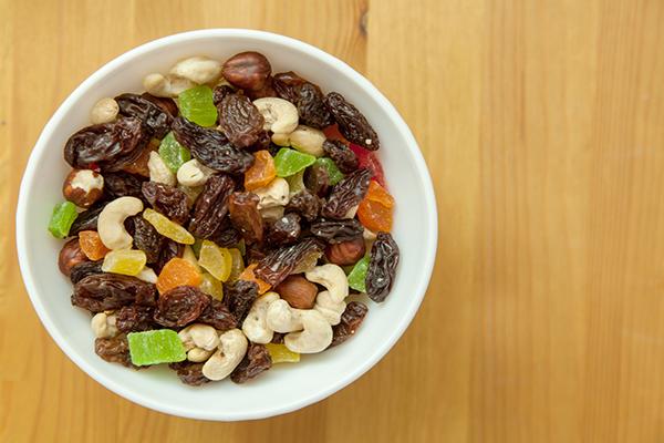 Cuenco de frutos secos, frutos secos y semillas
