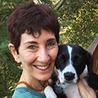 Annie Fox, autora de 5 consejos para mantener a sus hijos organizados y colaboradora de contenido de AHS