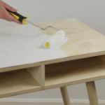 Cómo pintar madera desnuda